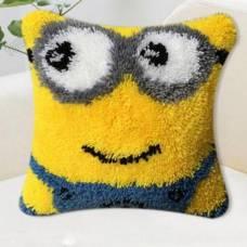 """Подушка в ковровой технике """"Миньон"""""""
